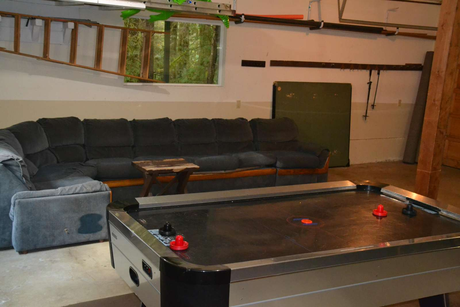 UNHEATED Garage Air Hockey Table