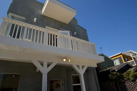 #119 Luxury 3 bedroom North Mission Beach Duplex