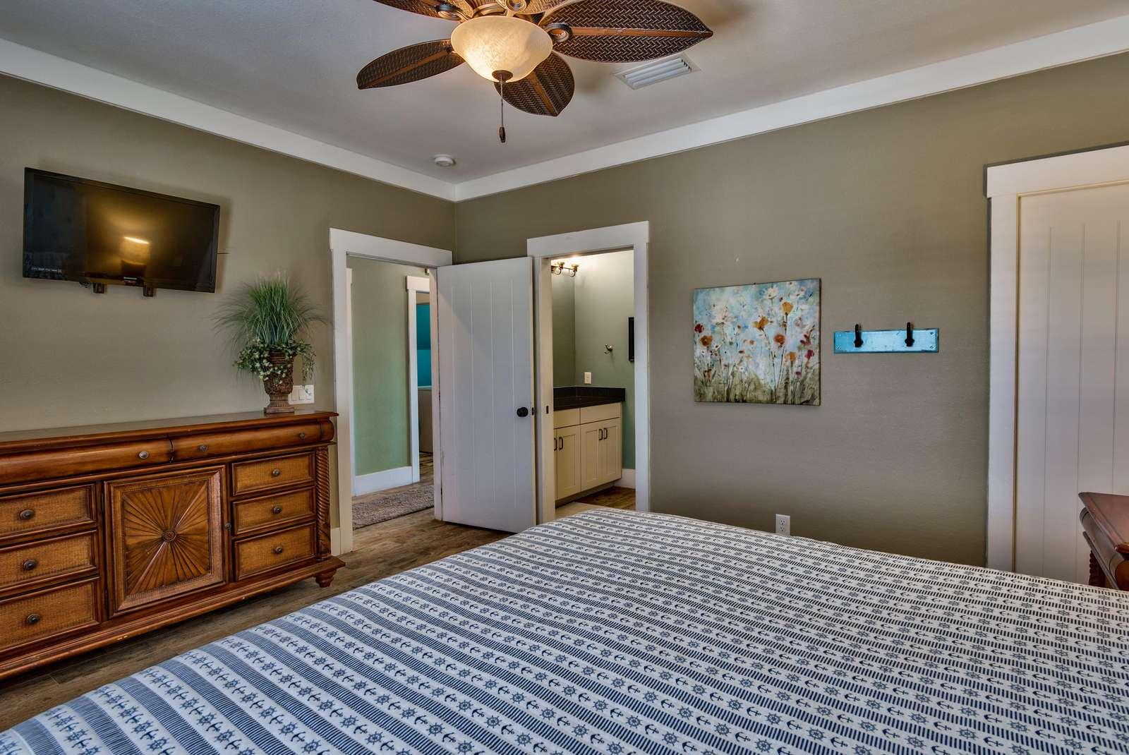 Bedroom 1 - 2nd View