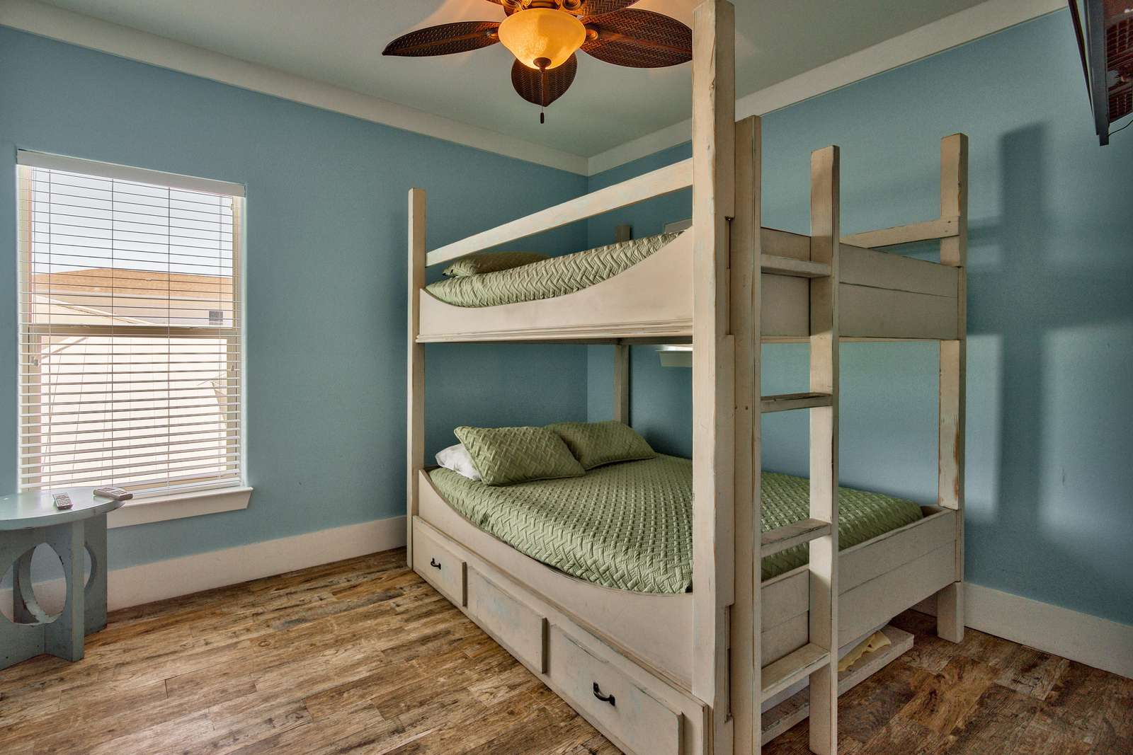2nd Level Bedroom 5 - Queen/Queen Bunks with Full size Trundle Bed