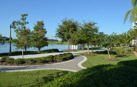 Jogging and walking trails around Lake Cay