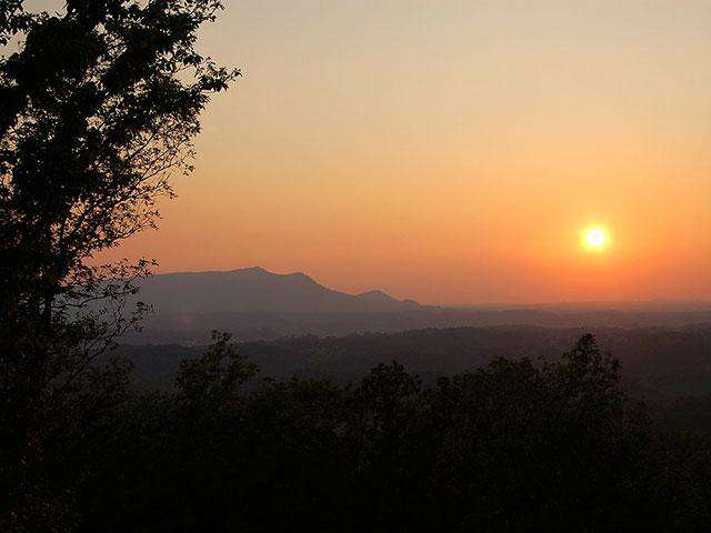 Sunset Bluff Mountain View