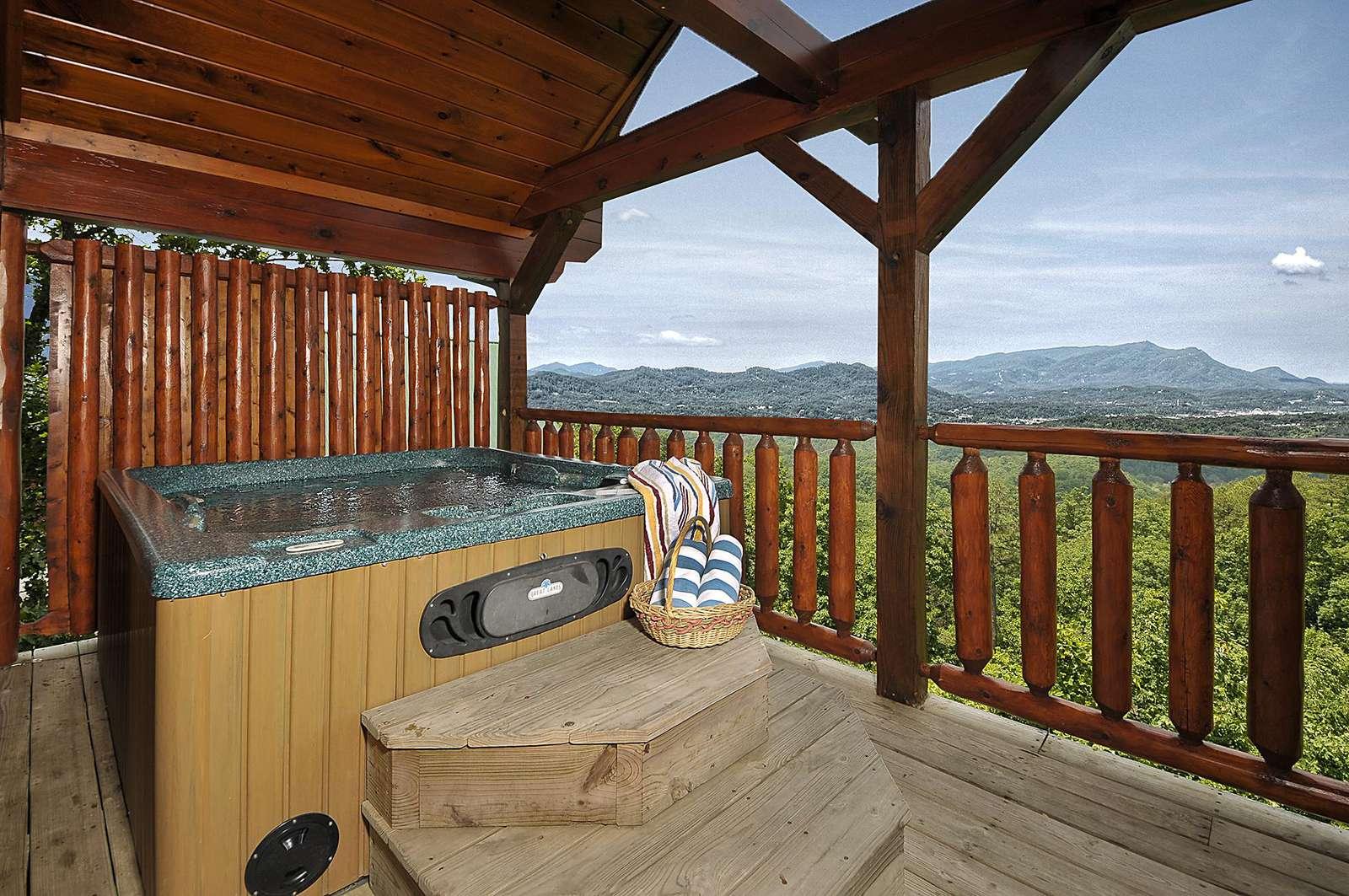Hot Tub overlooking Amazing Views