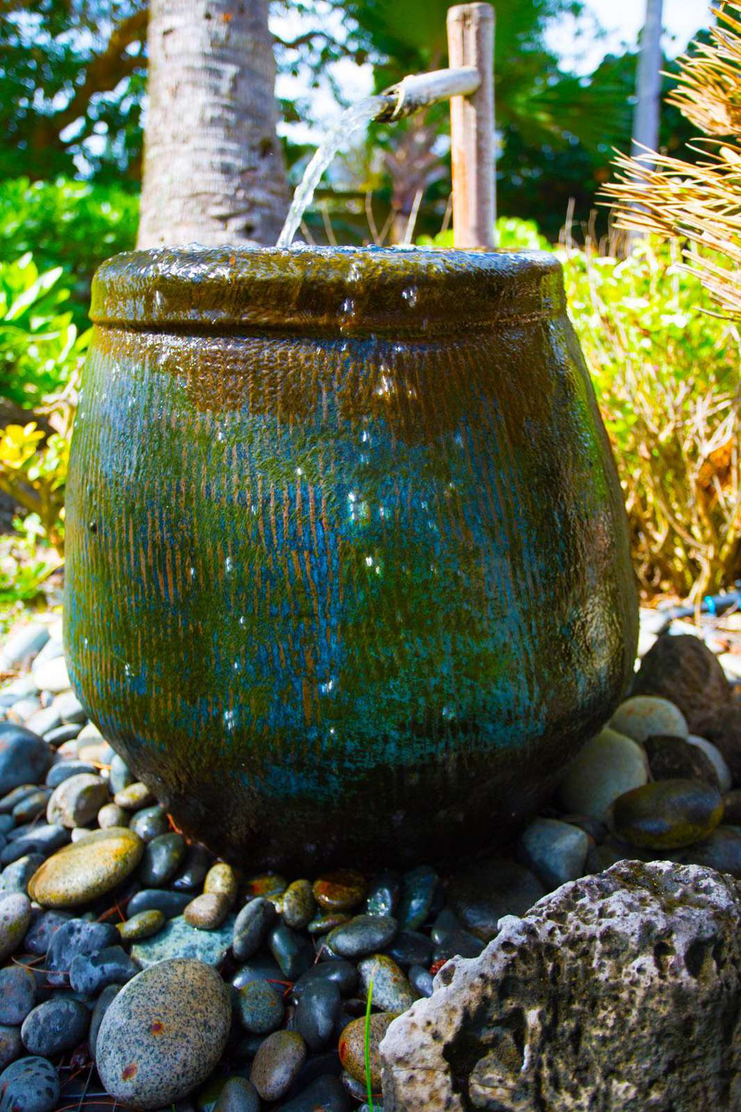 Garden water vase by COCO BUNGALOW
