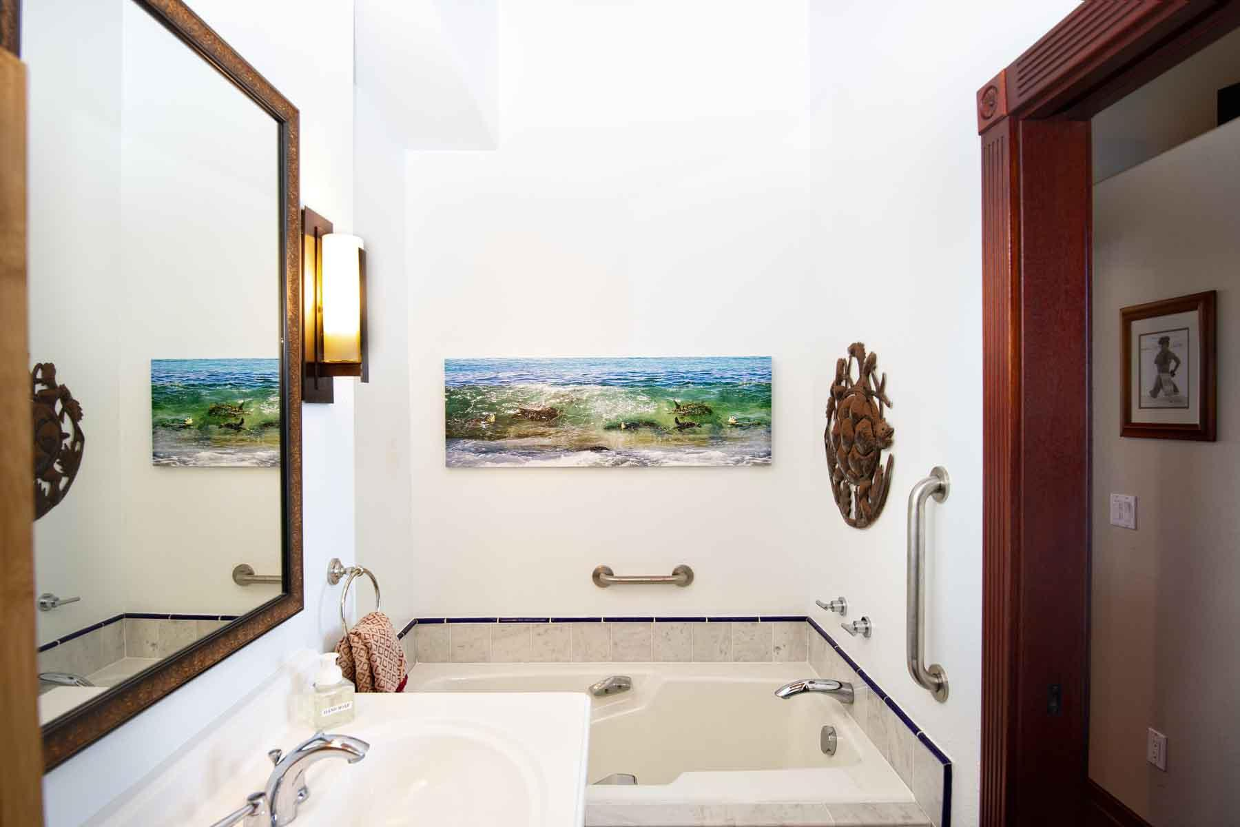 Master bathroom right view: deep soaking tub.