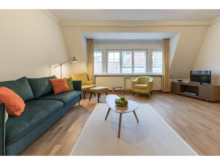 Spacious 1 bedroom Old Town flat with Sauna