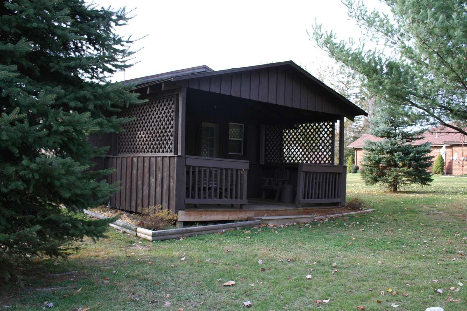 Sugar Pine Cottage, large back porch