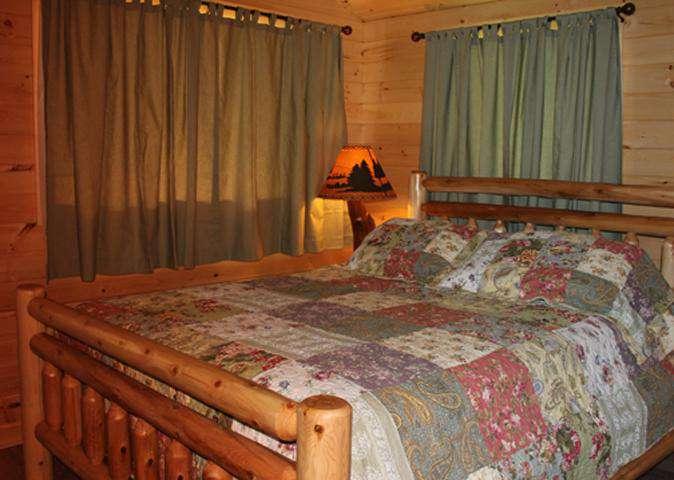 Sugar Pine Queen Bed