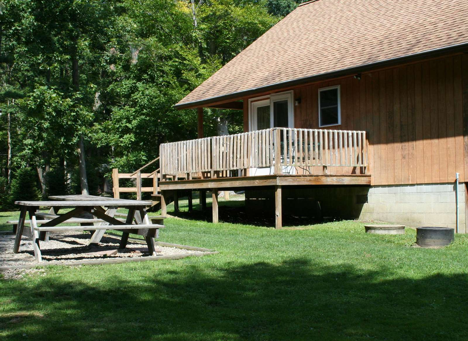 Side View showing Deck and Picnic Area