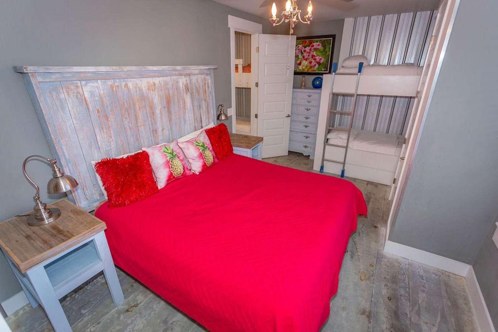 Br # 6 king bed/set of bunks/bath