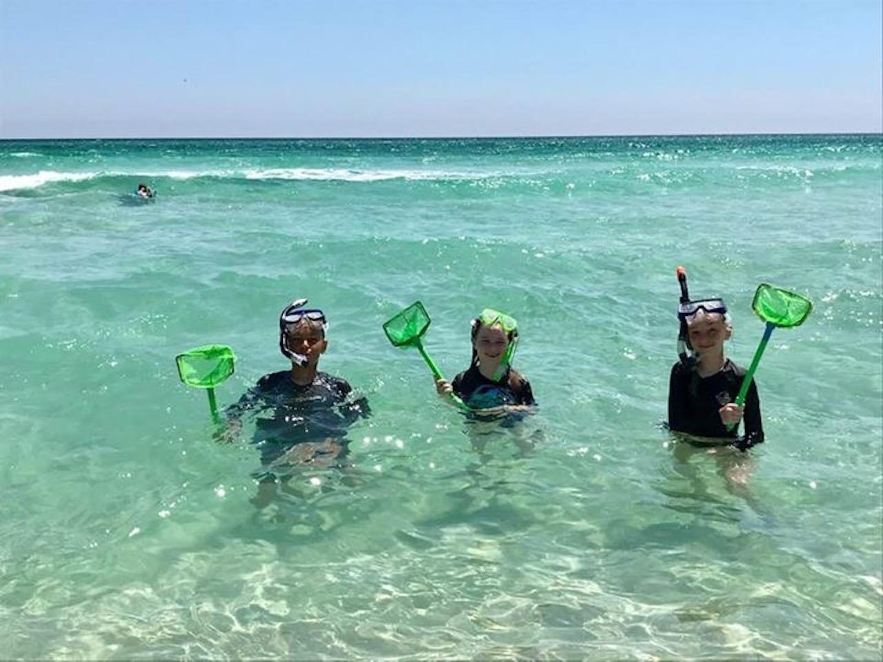 Snorkling on the beach behind Corona Del Mar