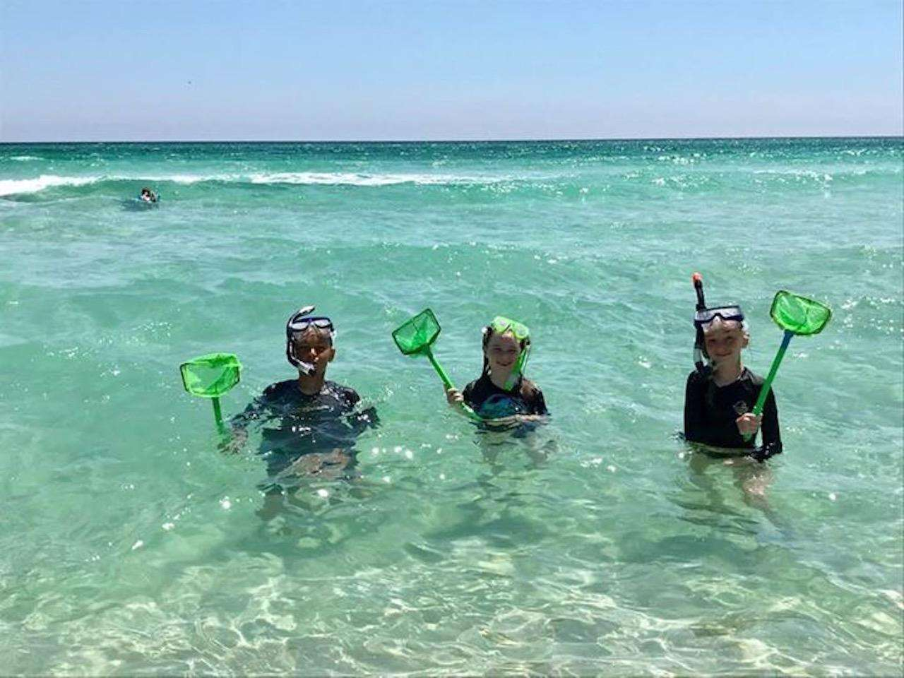 Snorkling on the beach behind Corona Del Mar