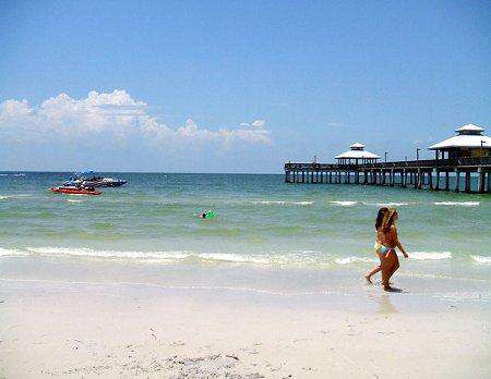 Fort Myers Beach - next to the Pier