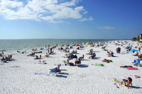 Fort Myers Beach - Best fine white Sand
