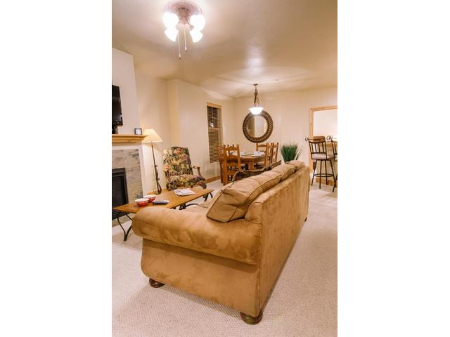 Comfortable seating for 4 in the family room