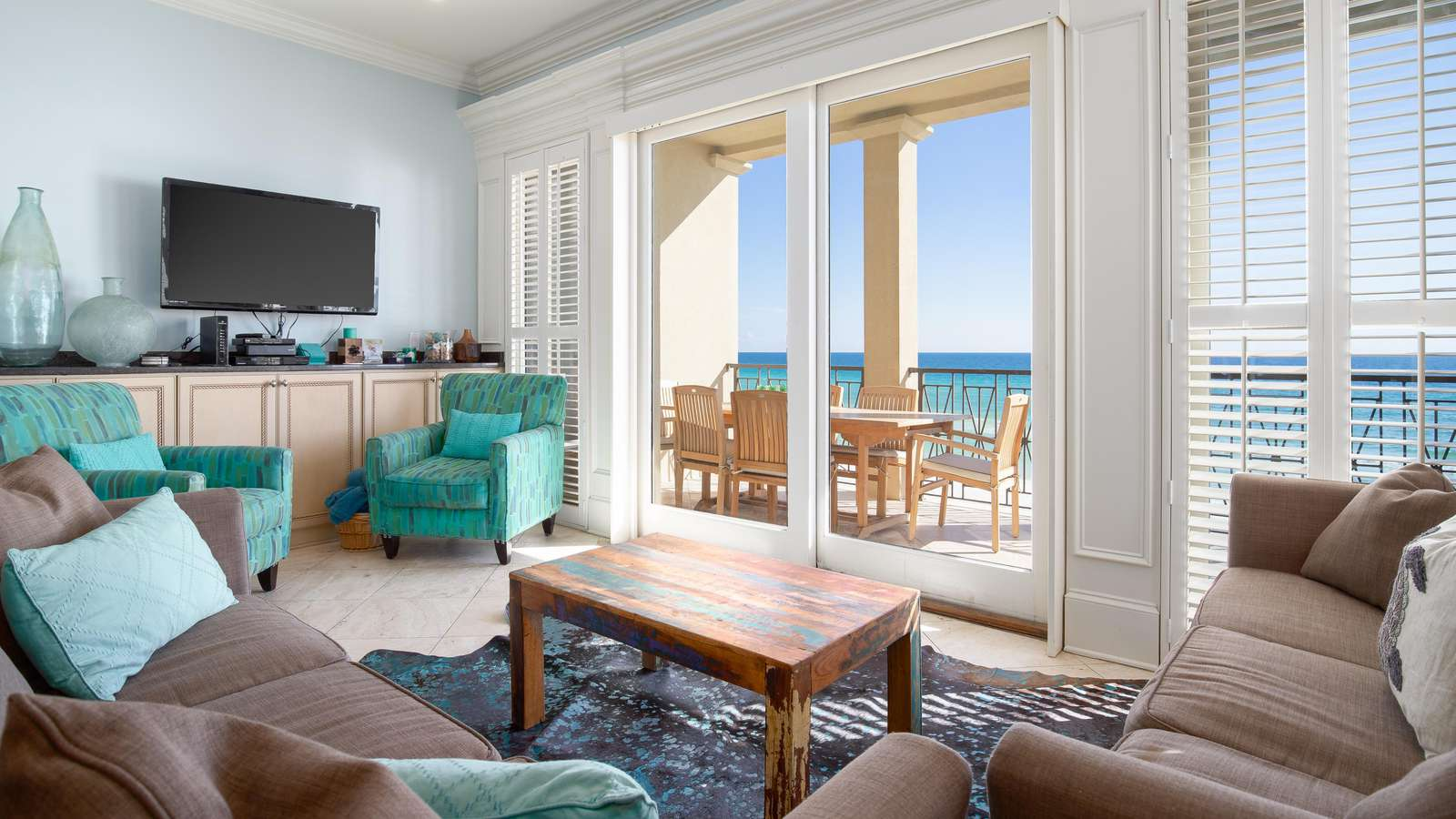 Enjoy the view while you relax in the comfort of this beautiful living room.