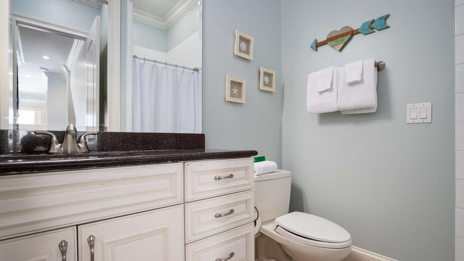 The full bathroom for the 3rd bedroom