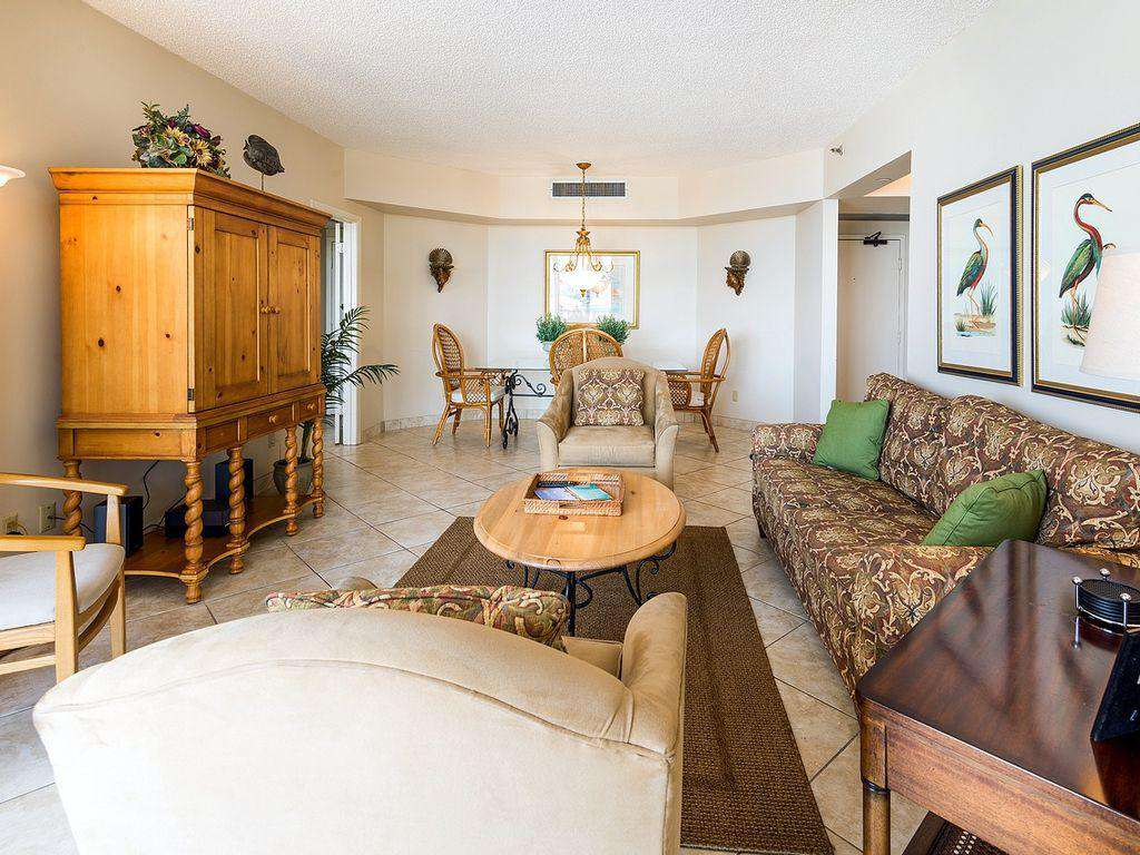 The open living room and dining room are great for family time!