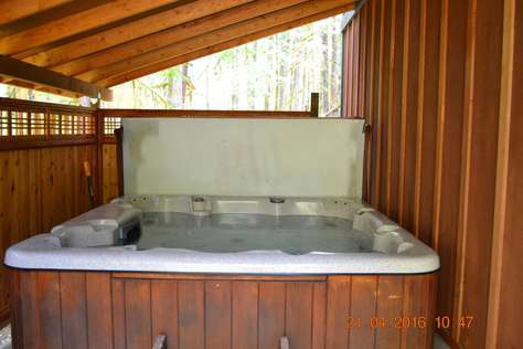 Covered Private Hot Tub