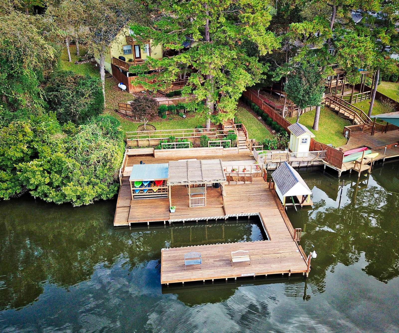 The large dock and peacful quiet setting make A.V. a unique home.