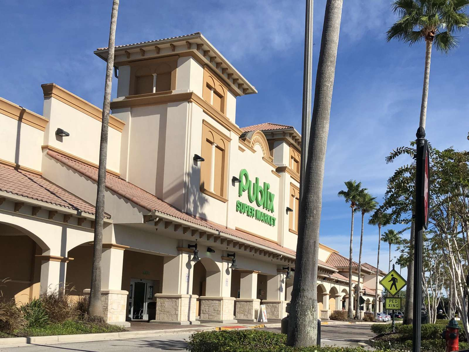 Publix Supermarket just minutes away