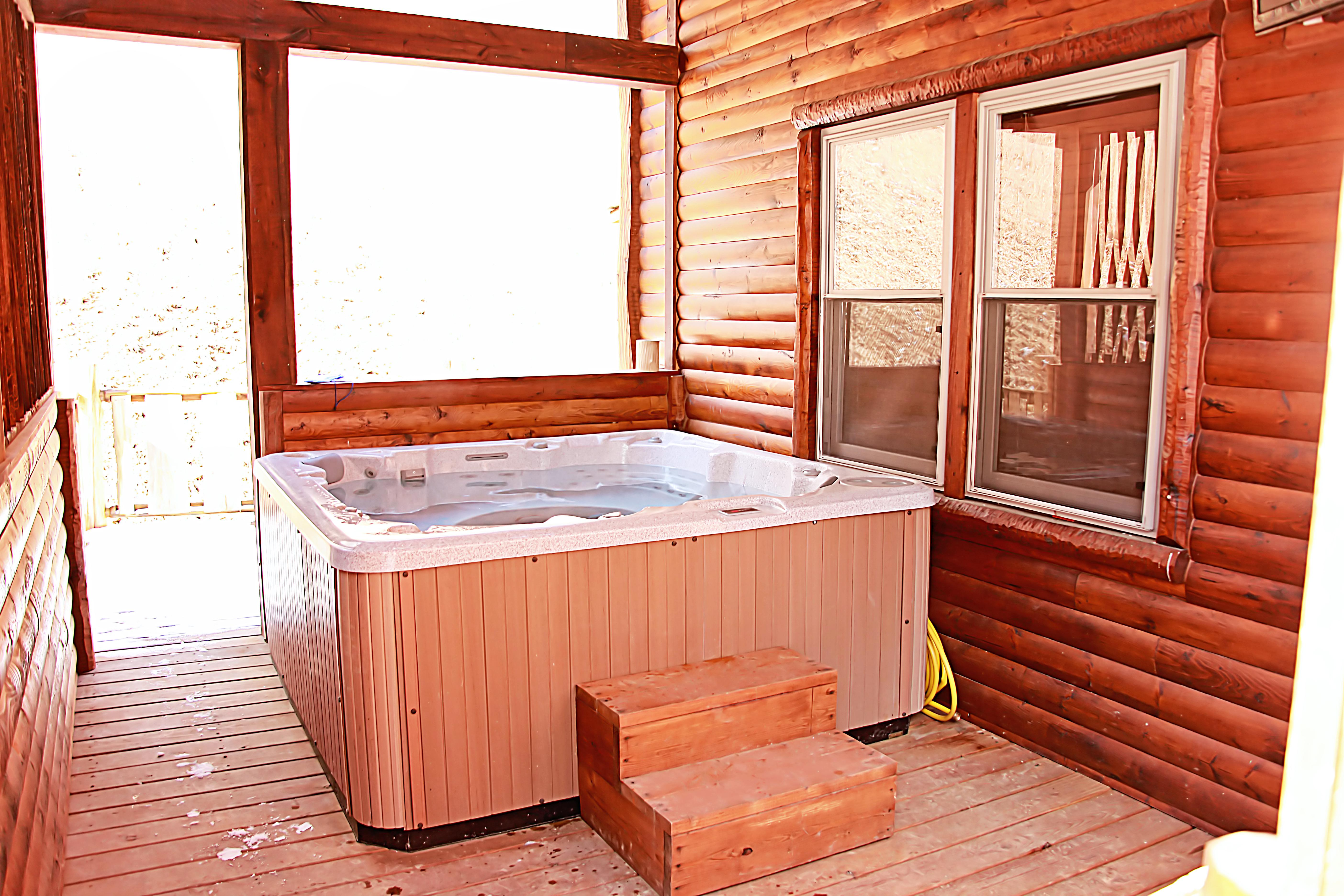 beds kelly wv tub with in rentals cabins mountain of cabin elkins luxury hot