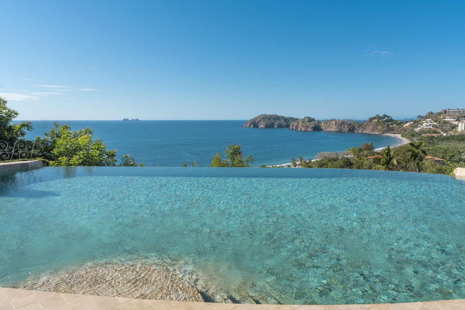 Million dollar ocean views from Casa de los Congos