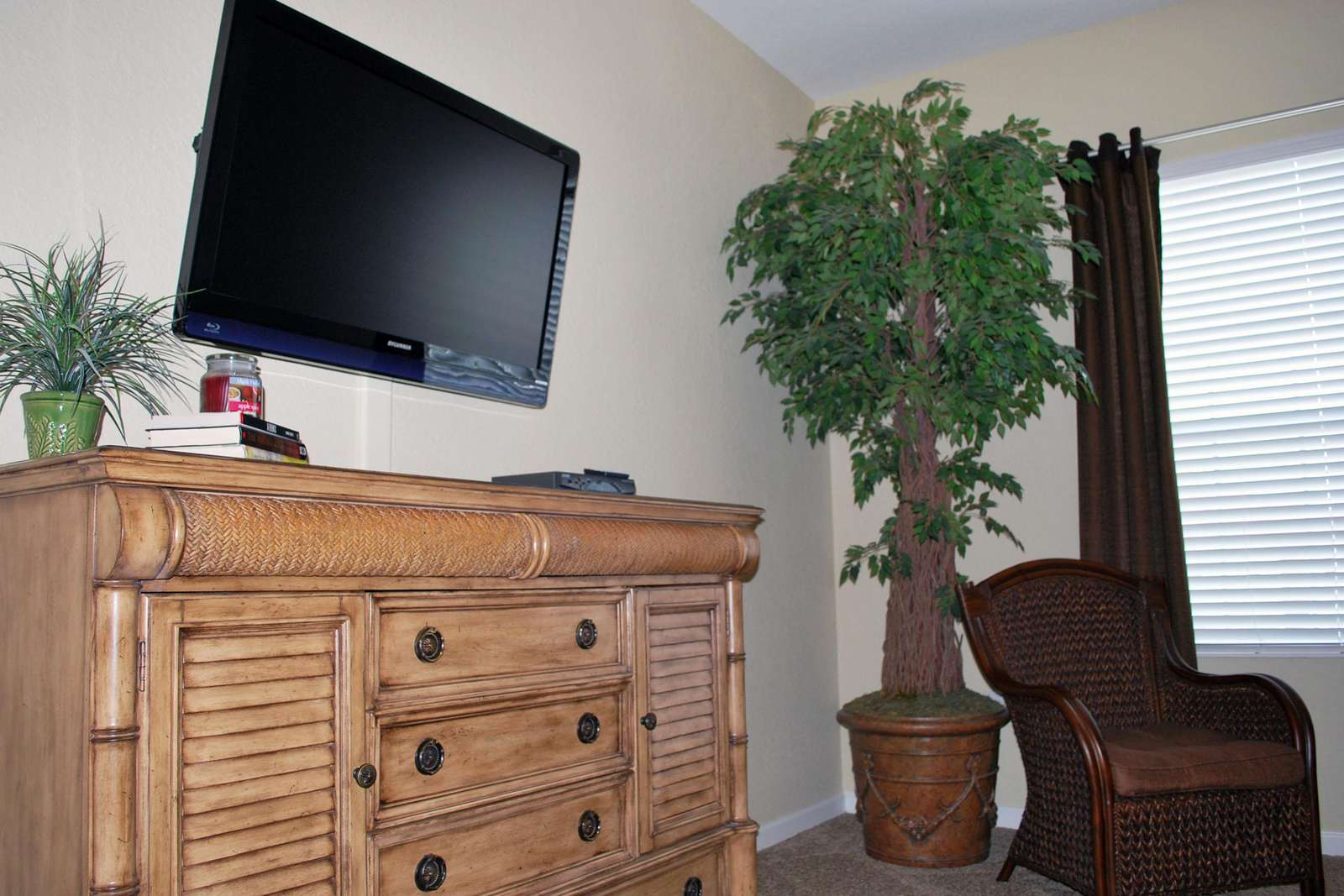 Flatscreen TV in Master