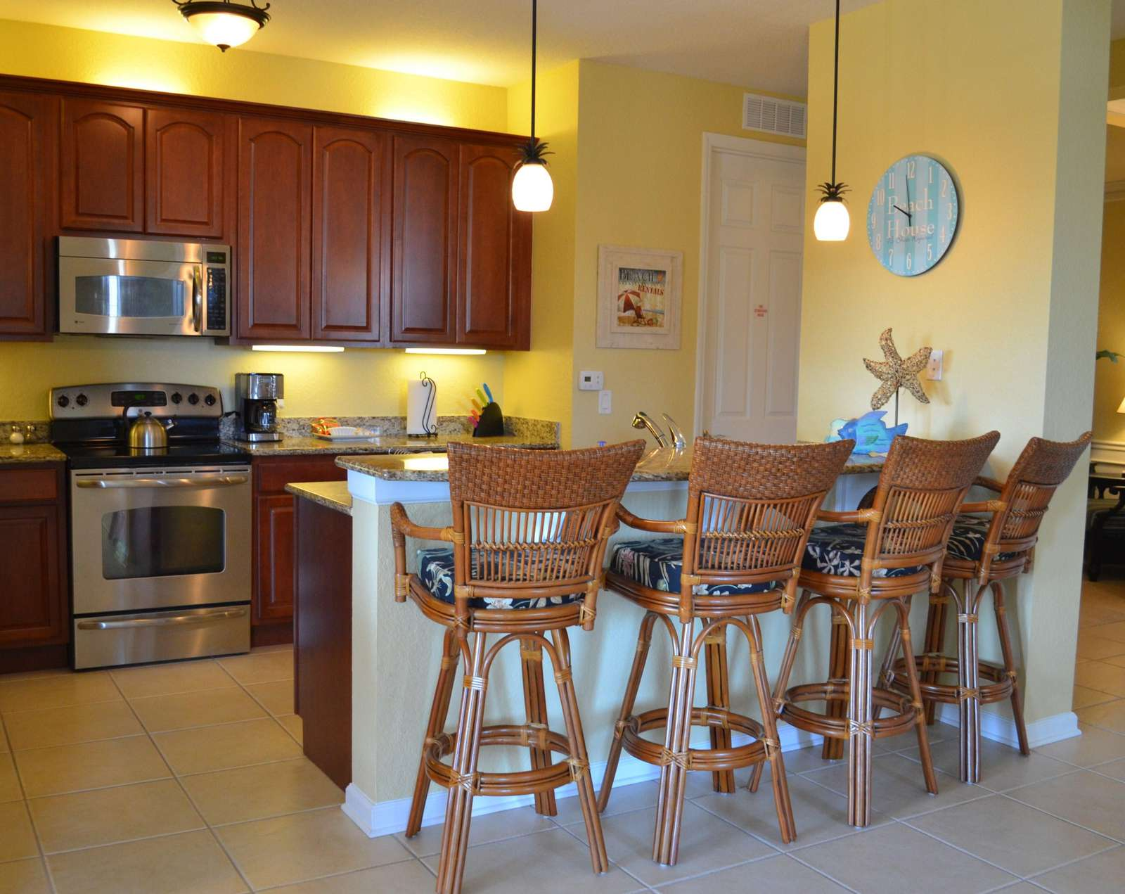Kitchen counter seating