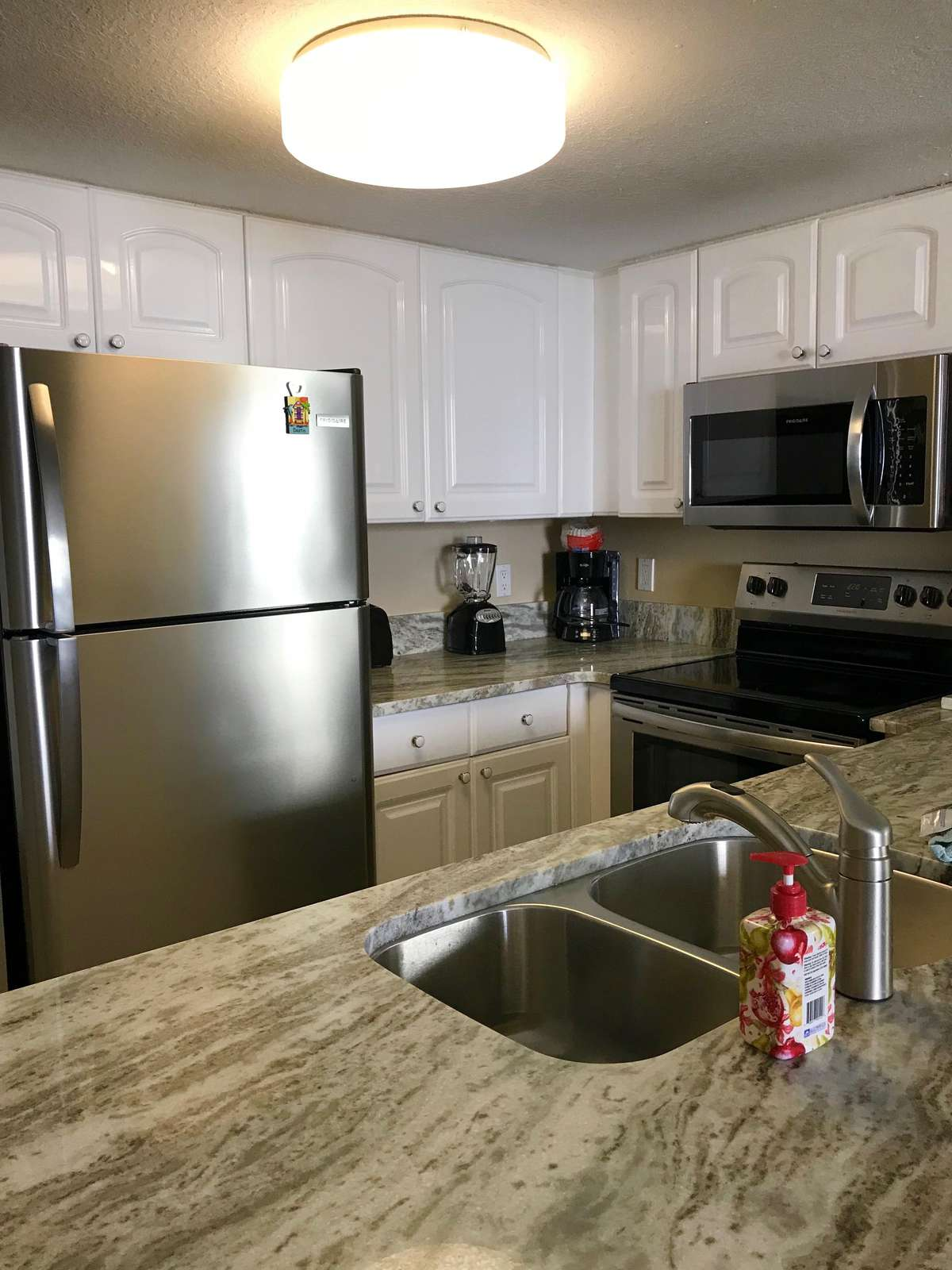 New granite and appliances