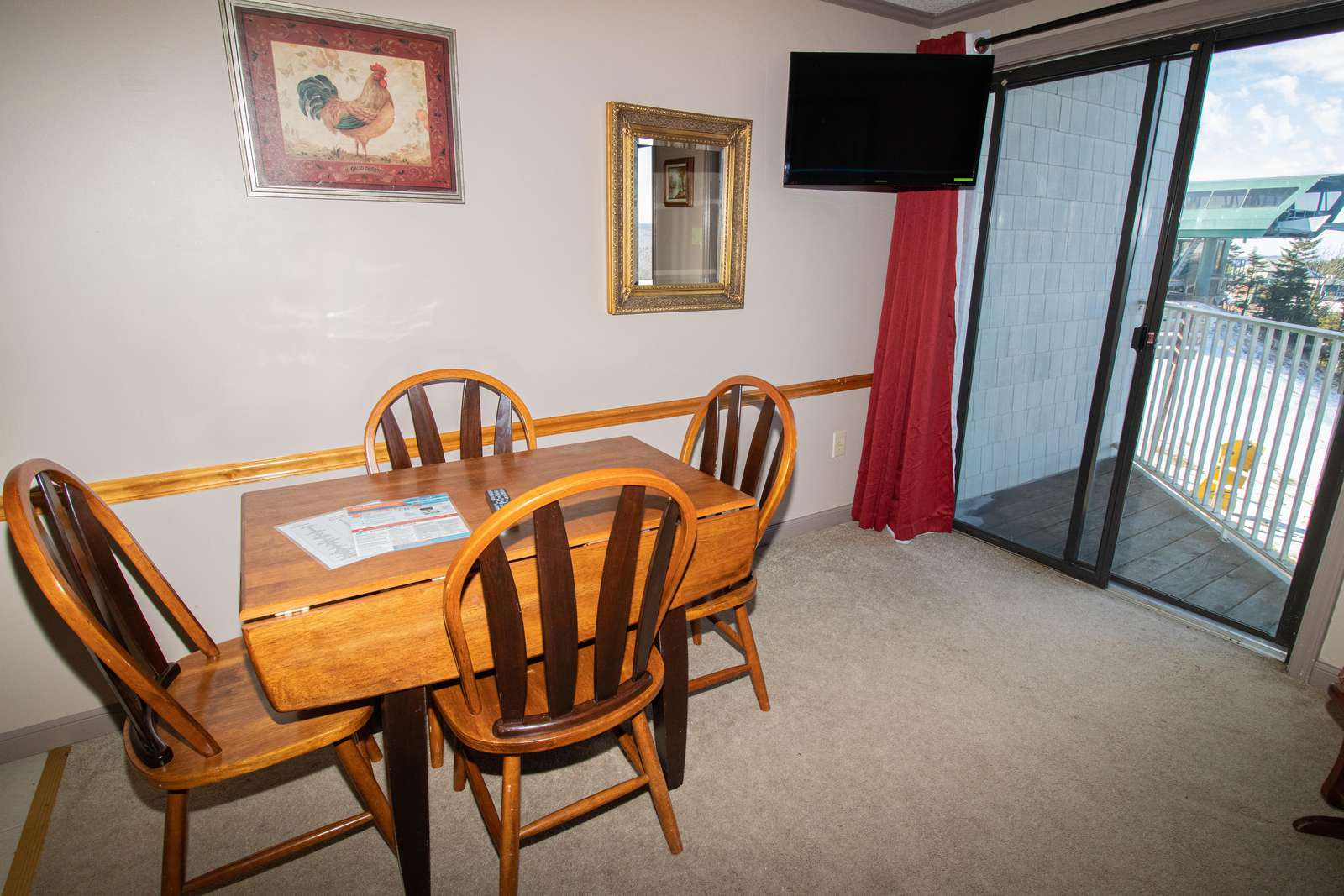 Watch TV - table for 4 - while having lunch in your slope-side condo!