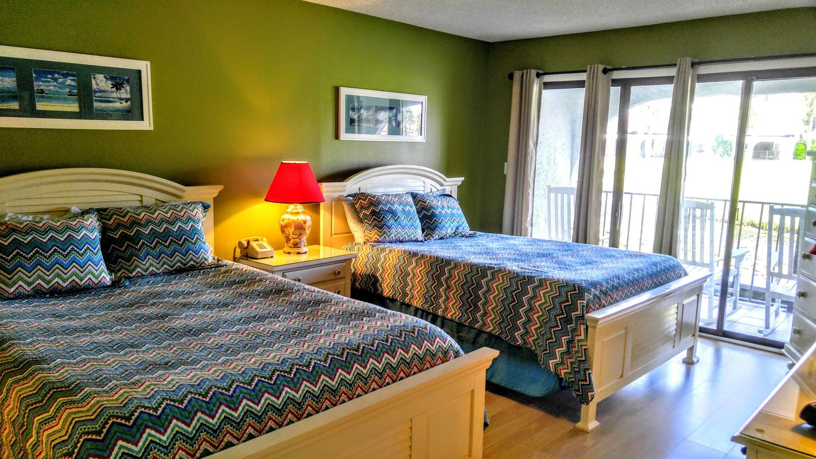 Master Bedroom with 2 queens and lake view