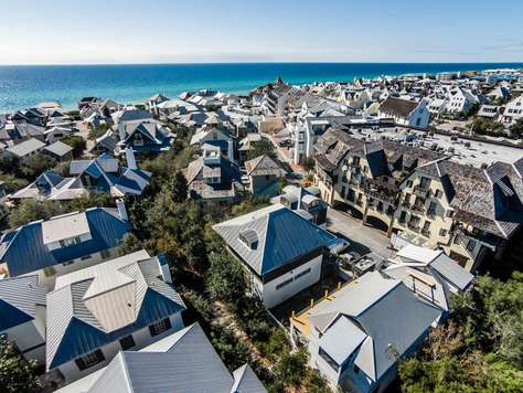 Dragonfly Carriage: Located in the heart of Rosemary Beach - South of 30A!