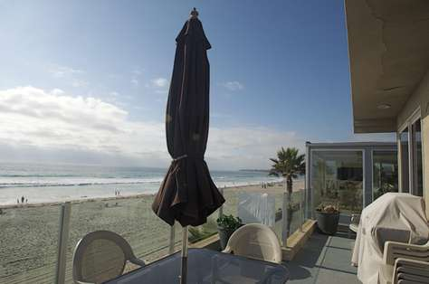 #325 Oceanfront Luxury 3BR Penthouse in Central Mission Beach