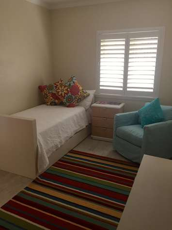 5th Bedroom in Apartment with Twin Trundle