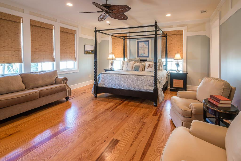 Luxurious Master Bedroom with Tempurpedic King Bed