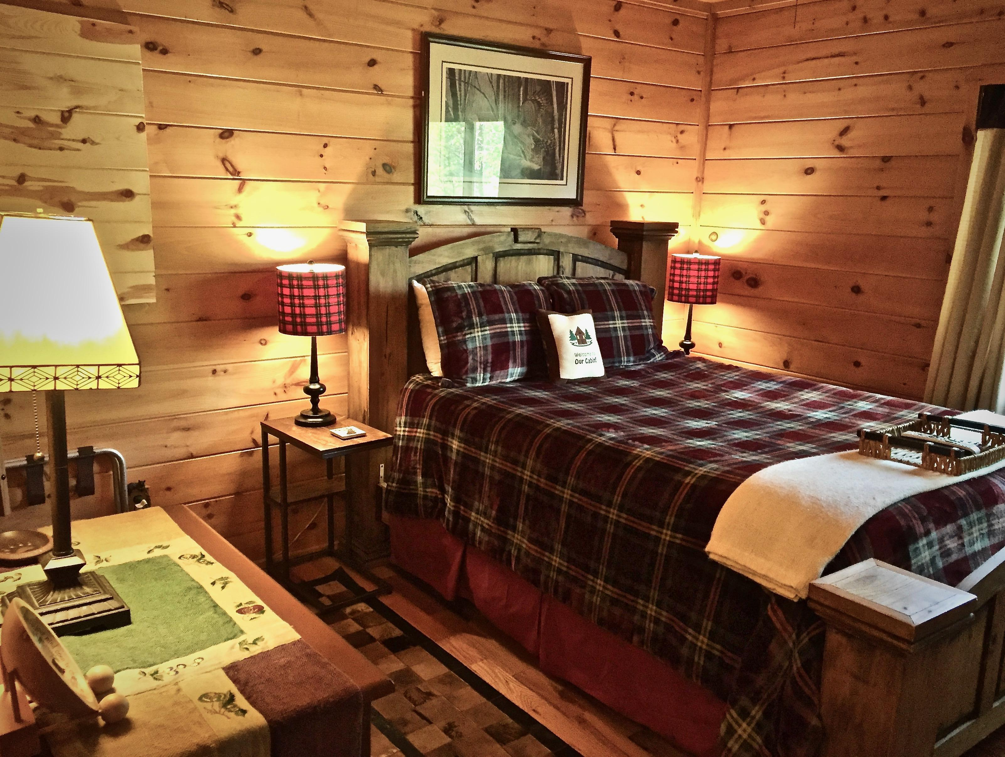 Luxurious Linens - Soft Bedding - and a Flat Screen TV in each Bedroom...