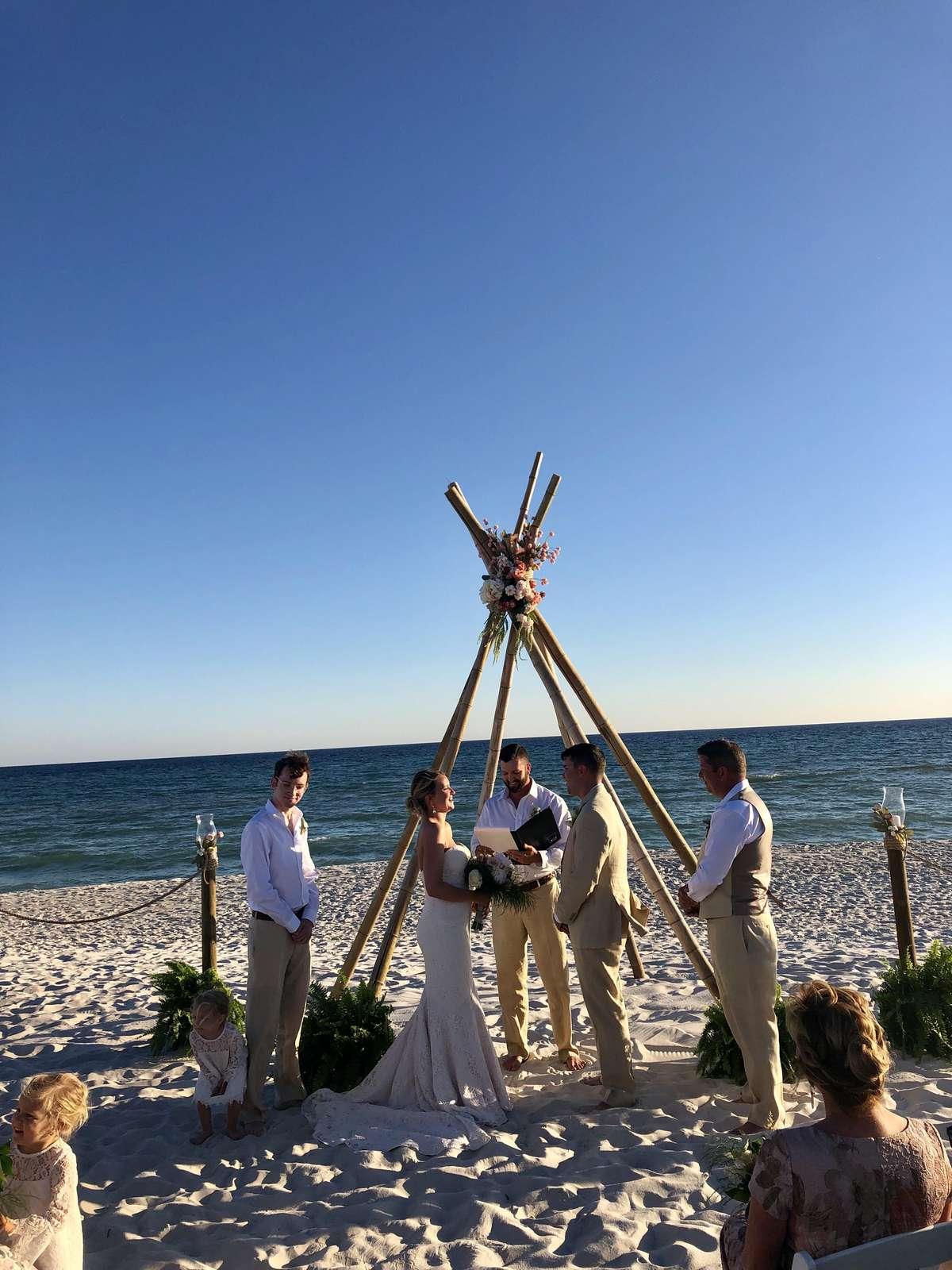 wedding behind opulent pearl