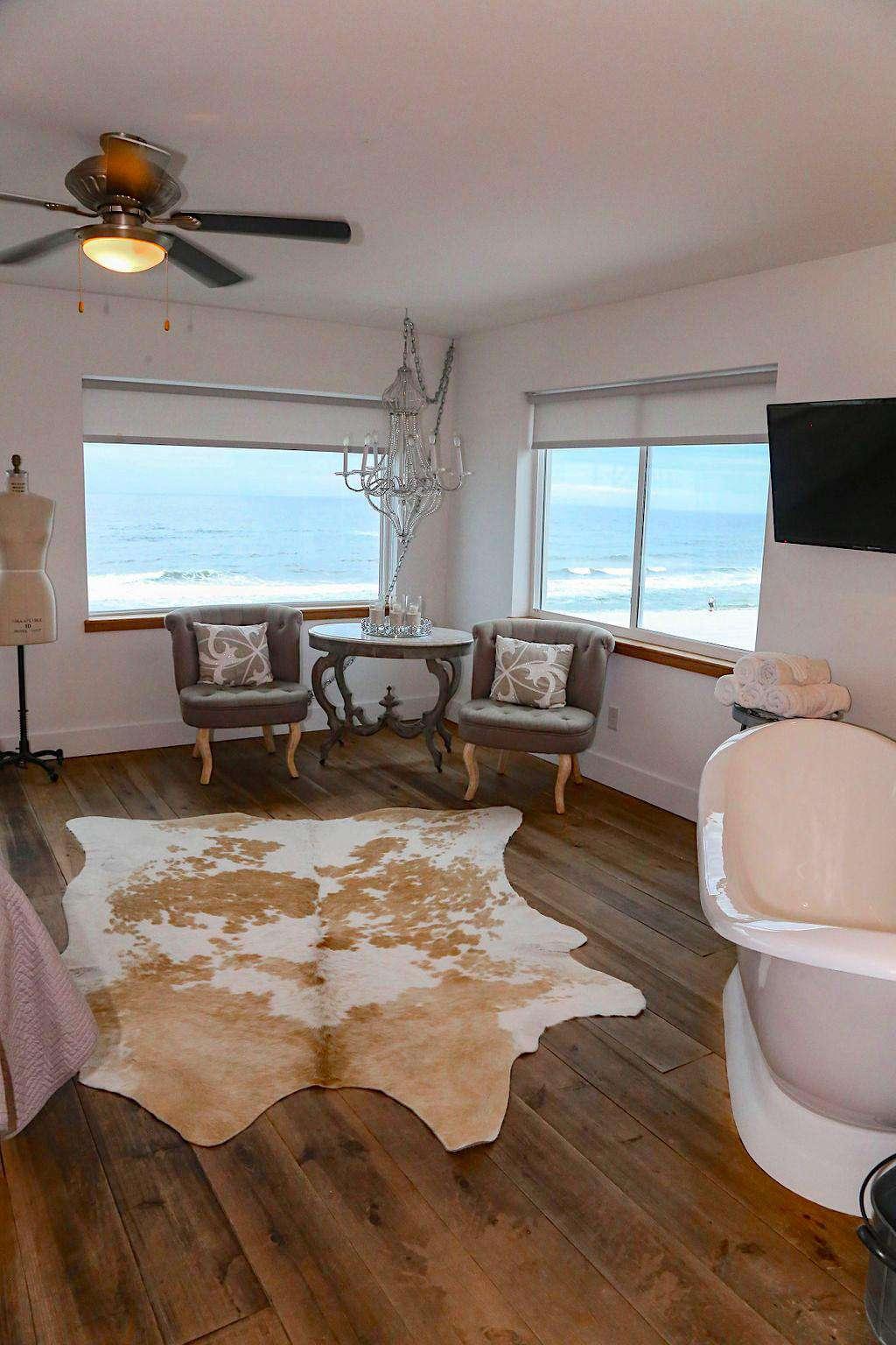 slipper tub in bridal suite