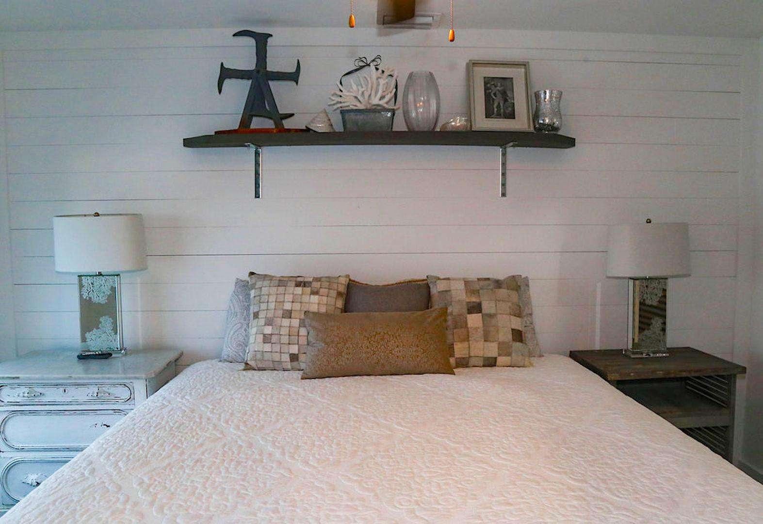BR # 1 has king bed/bath/flat screen