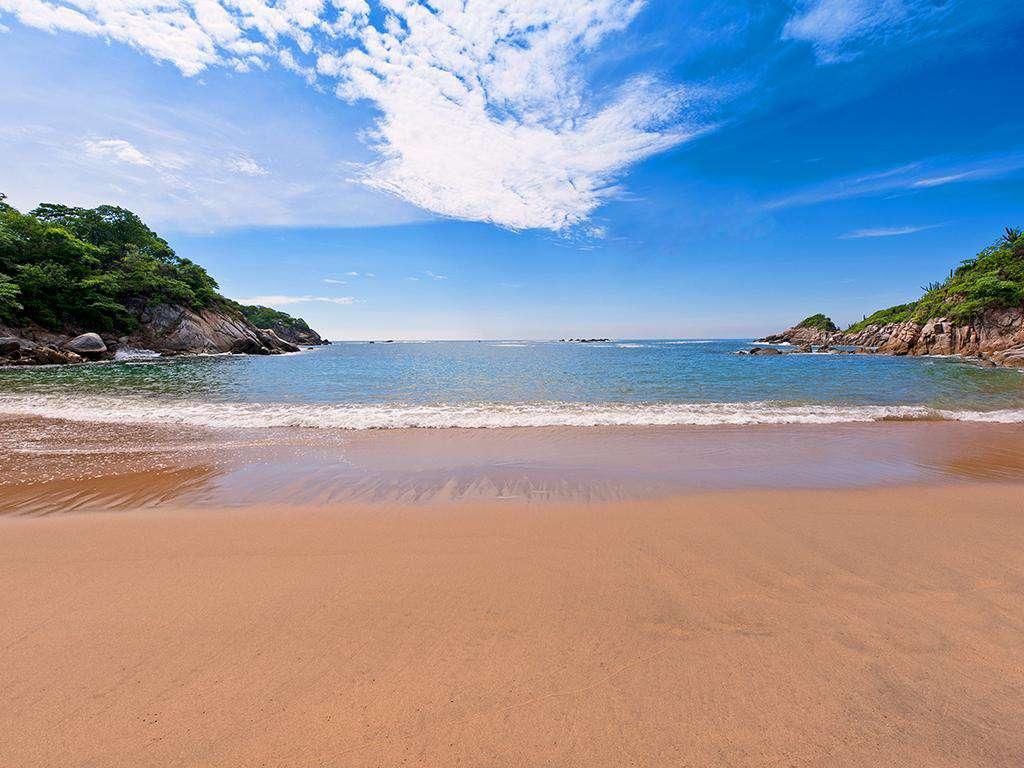 Direct beach access to Playa Arrocito