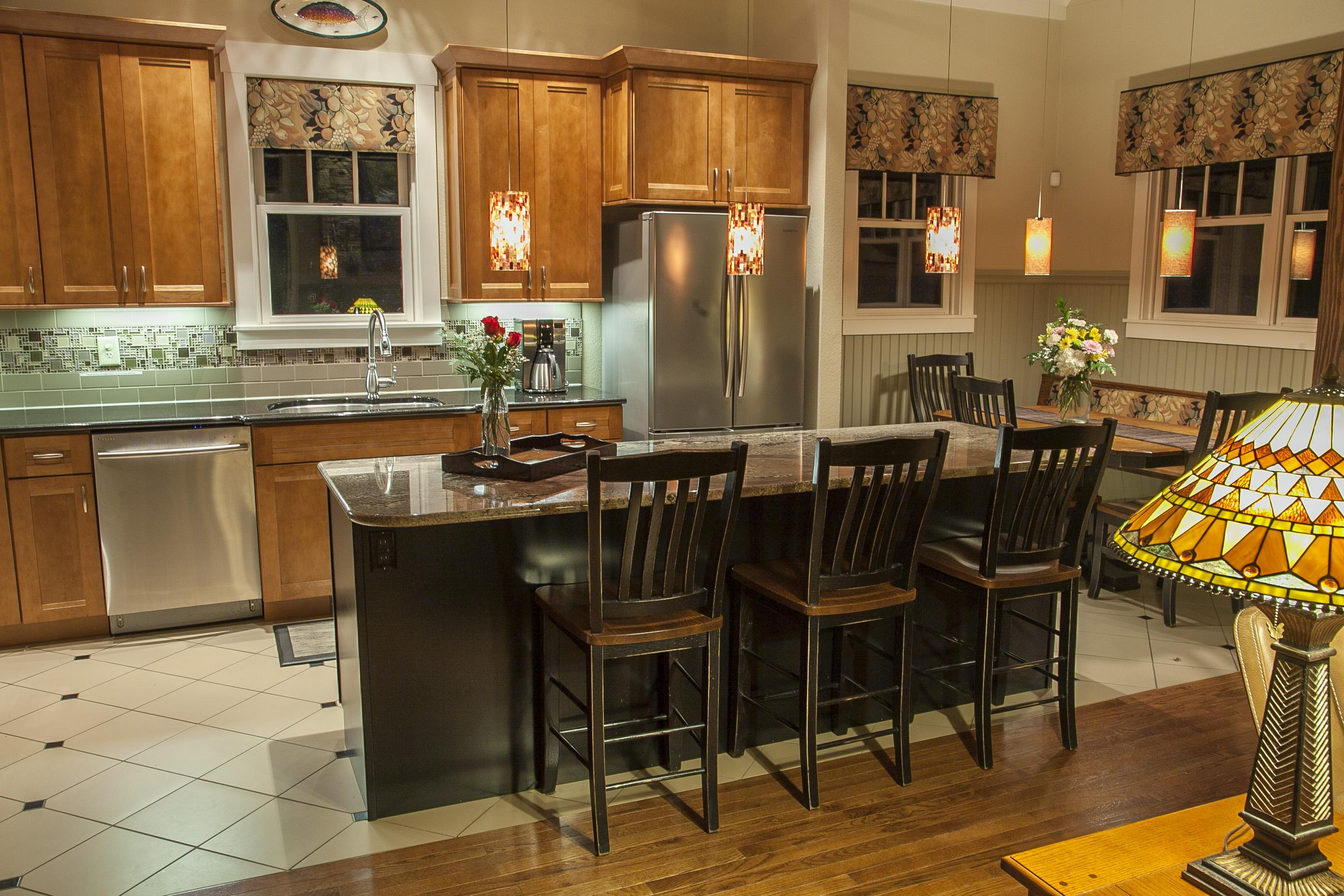 Well appointed, Stainless and Granite Kitchen is a Chef's Delight!