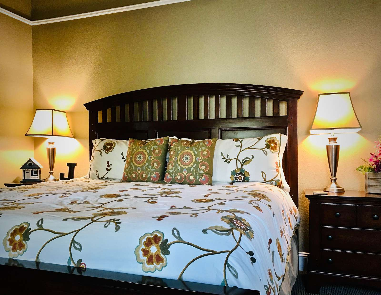 Comfortable Master Suite with Luxurious King Bedding