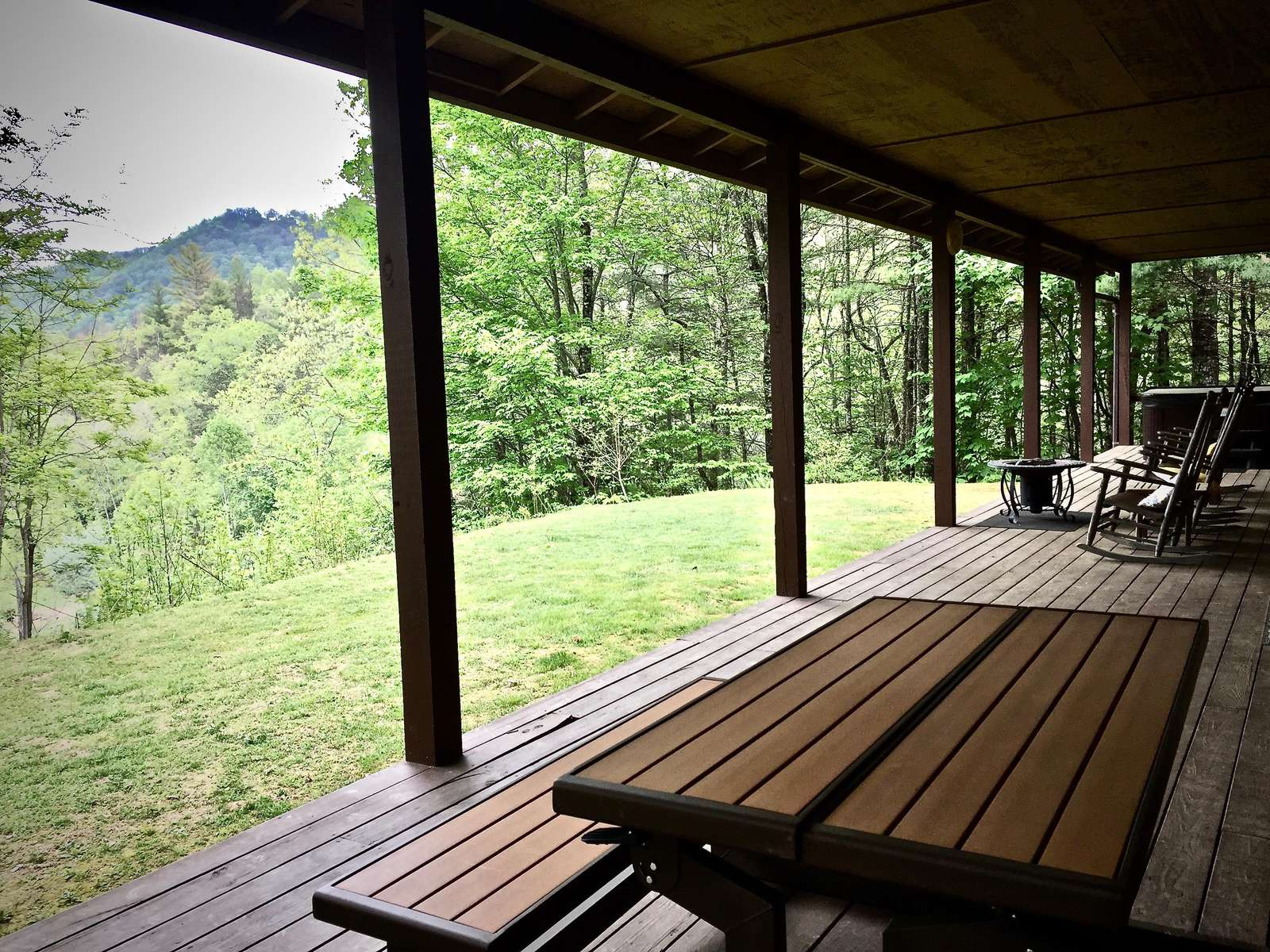 """Dine inside, or """"Al Fresco""""...PicNic Table, Several Rockers, and Lovely Views over the Pasture and Mountains beyond"""