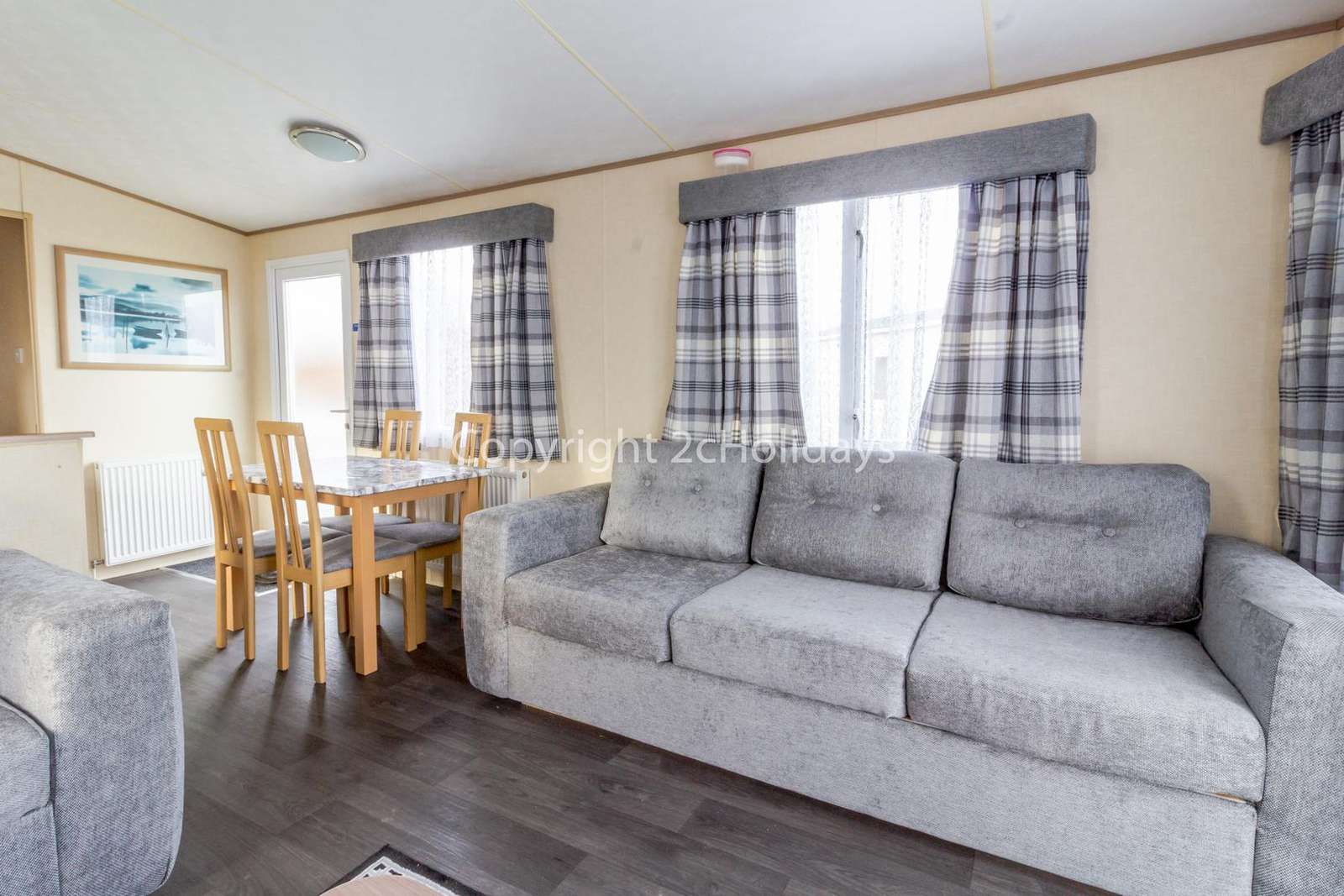 Very cosy and spacious open plan living and dining area, ideal for families