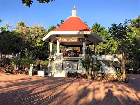 Cafe Huatulco - Santa Cruz square