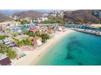 Playa Santa Cruz and Marina thumb