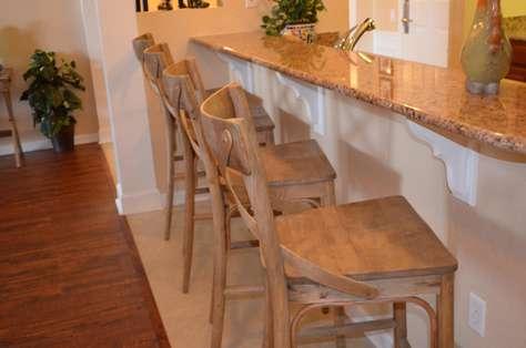 Breakfast bar seating area