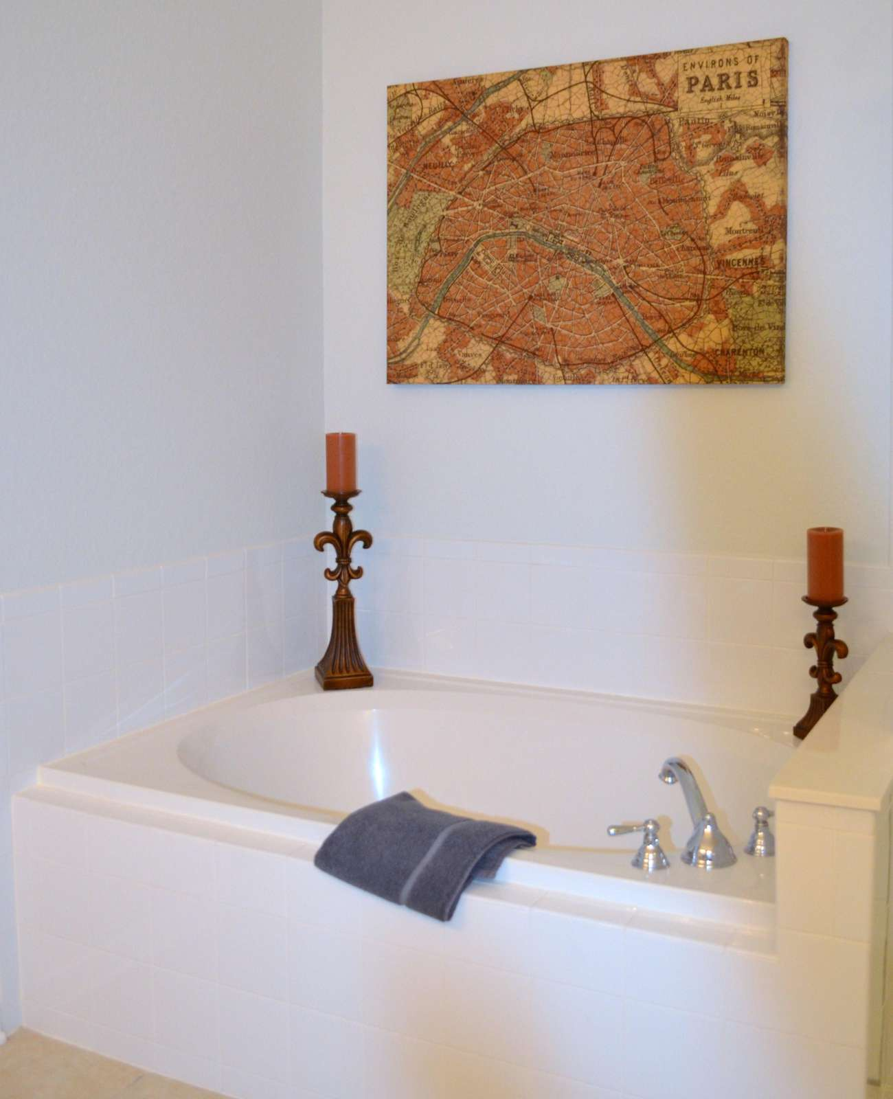 Roman tub in master bathroom