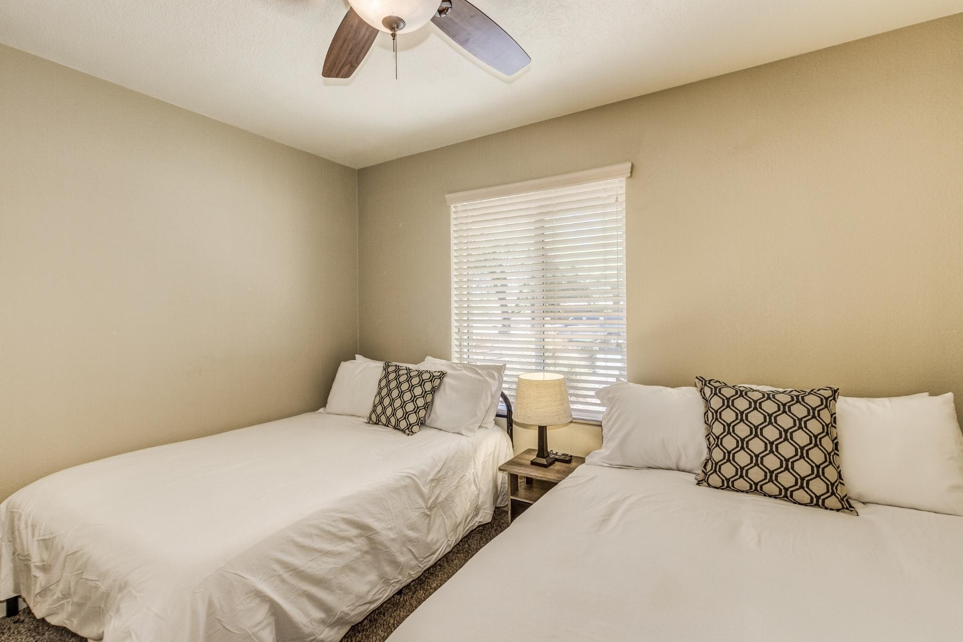 4th Bedroom has 2 Full Beds-TV